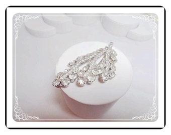 Vintage Crystal Clear Rhinestone  Flower Brooch  Silver Tone   Pin-1372c-052112000