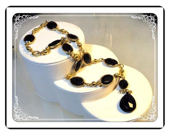 Black Link Retro Necklace -  Large, Chunky Oval Links in Gold Tone Setting Neck-1878a-050713015