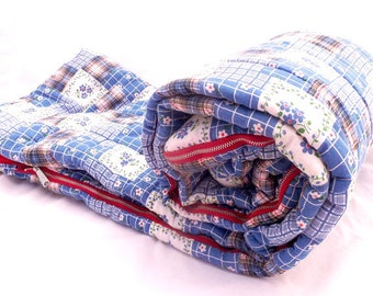 Vintage AMERICANA Sleeping Bag • 1960s  Red White Blue Picnic Blanket • Retro Flower Power Camping Sleeping Bag • Free Shipping
