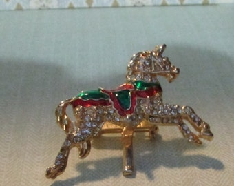 vintage Christmas Carousel Merry go round horse pin brooch red and green gold tone
