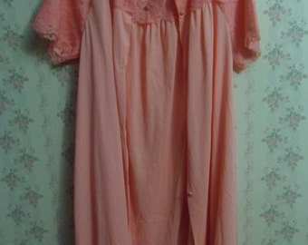 Lacy Silk Night Gown With Matching House Coat  Sz 32 - 34     (T)