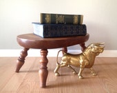 vintage oval wood step stool with spindle legs. primitive home decor. distressed footstool.
