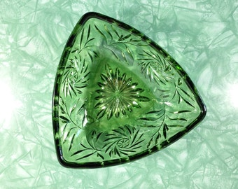 vintage 1960s green cut glass triangle dish. retro candy bowl. mid century decor.