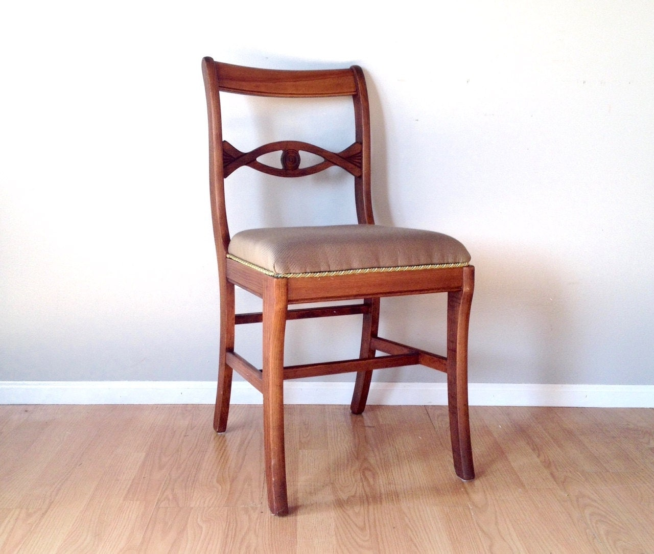 vintage Tell City mahogany chair. retro furniture. dining room
