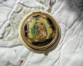 Vintage Courting Couple Romantic Compact