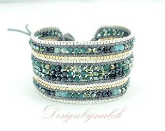 Crystal beads wrap bracelet.