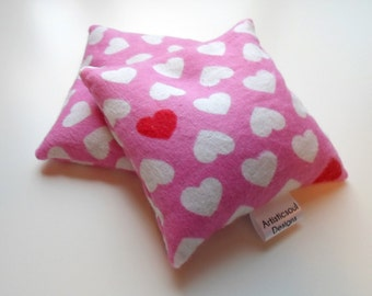 Flax Seed Pod Set, Hot & Cold Therapy, Pink Heart Print