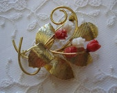 vintage. BROOCH. flower. GOLD. bouquet. TULIP. costume. 1960s.