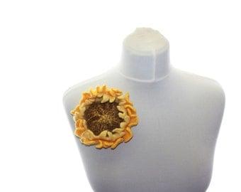 Felted flower brooch / Sunflower / yellow felted flower  / OOAK