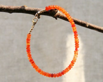 Poppy Bracelet: gorgeous ombre orange carnelian gemstones strung with 14kt gold filled beads and bclasp