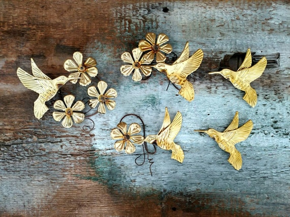 Vintage metal hummingbird wall decor by thevintageshopkeeper for Hummingbird decor