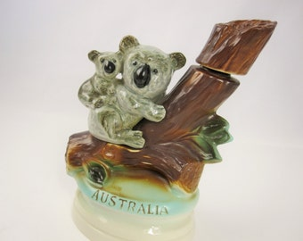 A Vintage Jim Beam Collector Decanter From 1973 - 'Australia' - Mom and Baby Koala  - James B. Beam Distilling Co.