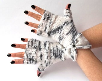 SALE - 30%OFF. Knit Fingerless Gloves. White And Black Knit Mittens. Knit Gloves. Knitted Wrist Warmers. Fingerless Mittens. Hand Warmer