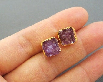 Hot pink dryzy stud earring, small gold druzy stud earrings, gold druzy post earrings, tiny stud earring, druzy earrings, gold earrings