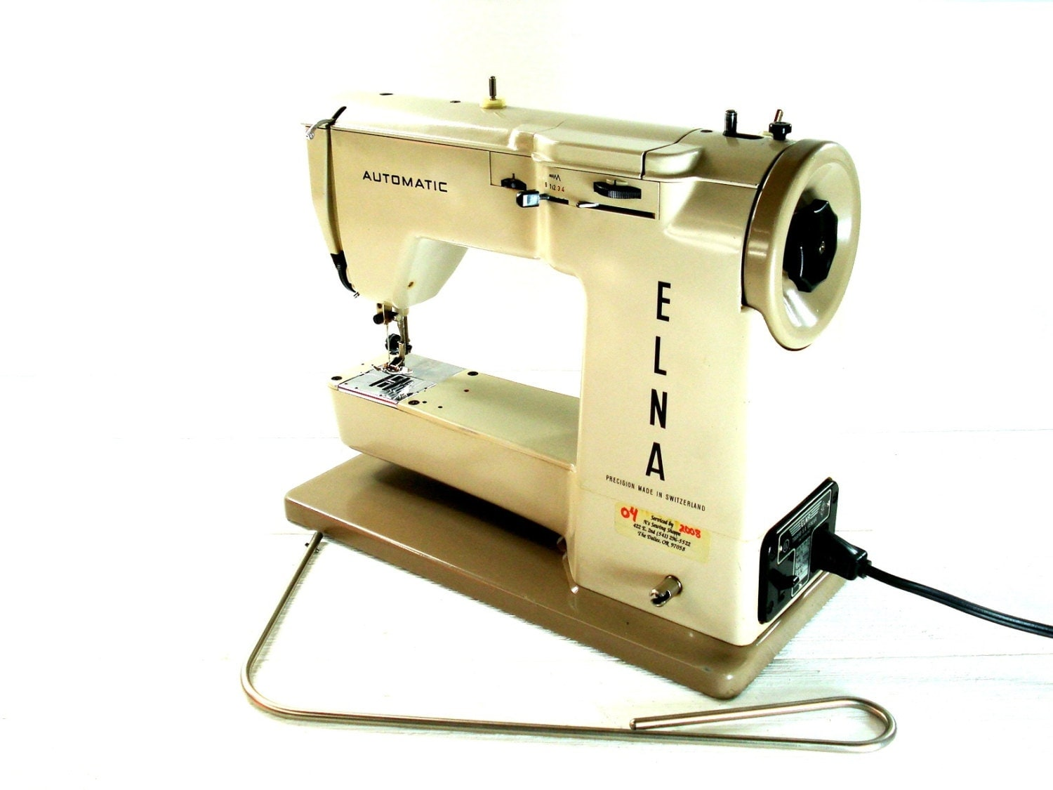 vintage elna automatic sewing machine beige portable sewing. Black Bedroom Furniture Sets. Home Design Ideas