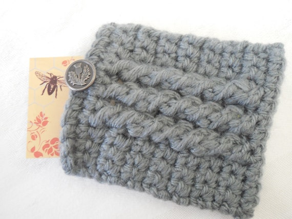 Crocheted Gray Cabled Christmas Gift Card Holder - Business Card Holder - Credit Card Holder - ID Case with metal Thistle design button