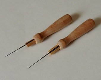 Reserved for Theresa: WOODEN NEEDLE HOLDER / Two felting needle holders, including needles / 40 gauge felting needles / needle felting