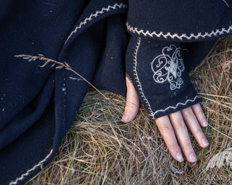 "Medieval Embroidered Gloves ""Lost Princess"";Mittens; Woolen gloves; Handmade Arm Warmers; Woolen Fingerless Gloves"