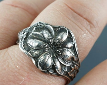ANTIQUE SILVER SPOON ring -  violet - rose - flower sterling spoon jewelry - size 10 11 12 13 14 arge. band spoonjewelry  No.00218
