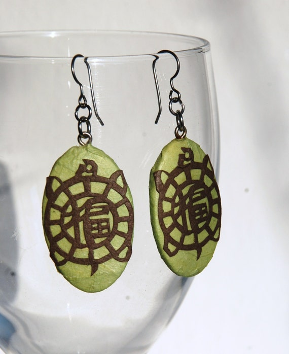 Green Turtle Hanji Paper Earrings Dangle Green Brown Design Good Luck Fortune Hypoallergenic hooks Lightweight Ear rings