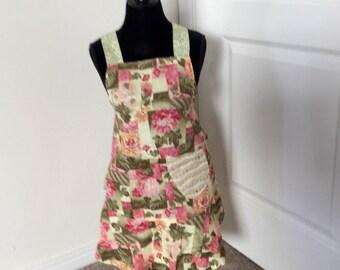 Sale ---Childs vintage style apron