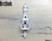 1 Unique and Decorative Back Plate with Ring Pull Painted Shabby Chic White Kitchen Cabinet Door Cupboard Handle DETAILS LISTED BELOW