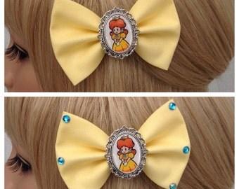 Princess Daisy hair bow clip rockabilly psychobilly kawaii pin up geek Nintendo mario luigi peach fabric yellow ladies girls cameo punk cute