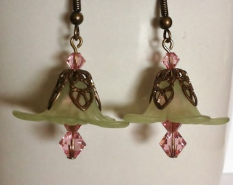 Spring green short earrings with pink swarovski crystals and brass beadcaps jewelry earrings