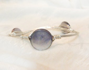 Gray Blue Shell Bead On Wire Wrapped Bangle -  Polished Round Shell Stone On Silver Non-Tarnish Wire