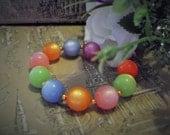 Vintage 50s multicolour moonglow lucite elasticated bracelet nos *UNUSED* (4016)