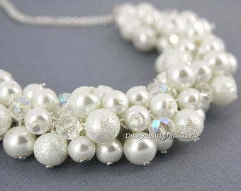 White Pearl Necklace, White Pearl Cluster Necklace, Bridal Jewelry, Pearl Cluster Necklace, Bridesmaid Gift, Bridesmaid Necklace,Wedding
