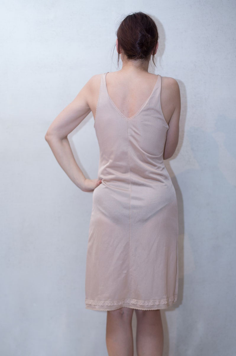 80S Vintage Nude Tan Nightgown Full Petticoat Size S-3127