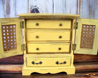 Jewelry Box, Shabby Chic Vintage Jewelry Box, Jewelry Organizer, Jewelry Holder, Shabby Chic Decor