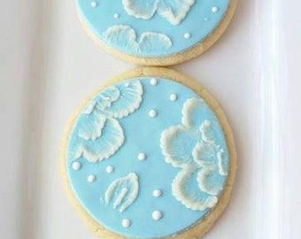 Brush embroidered cookies