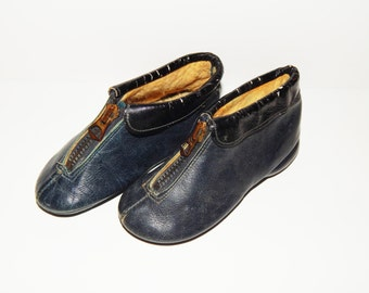 Vintage Blue Leather Childs Shoes