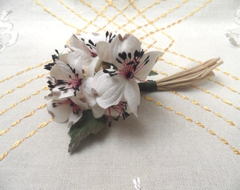 Vintage Corsage / unused fabric pin back floral spray / white dogwood corsage / Himelhoch's new old stock