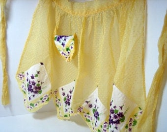 Vintage Hankie Apron with Handkerchief in Pocket  - BEAUTIFUL, New, Never used condition