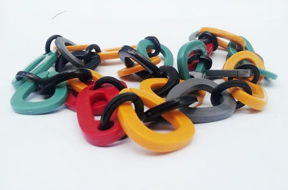 Vintage Plastic Link Necklace at Gold Da on Etsy