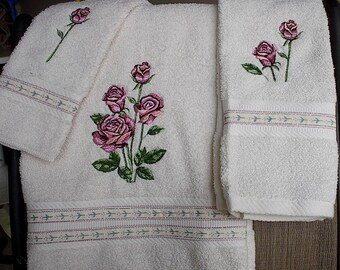 Embroidered Rose/rosebud Towel set
