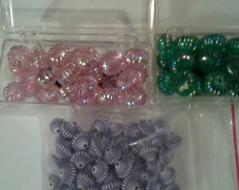 Lot of 5 Containers of Vintage Beads 25 per container.