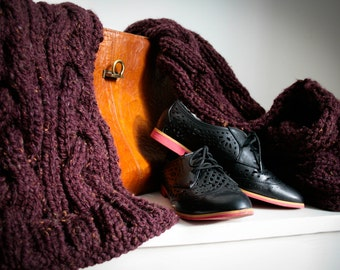 Oxblood - chunky knitted tweed wool scarf in burgundy