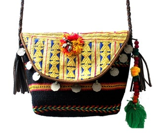 Kutch Love Clutch From Ofrida Accessories (India)    http://www.facebook.com/ofridabags
