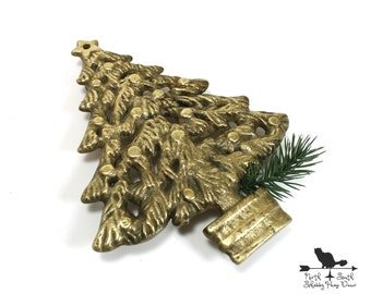 Christmas Tree Trivet, Vintage Footed Brass Trivet, Holiday Table Accessory, Xmas Decor