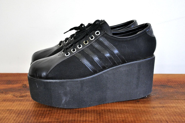 vintage 1970s black platform tennis shoes size 9