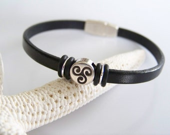 Black Leather Celtic Triskele Bracelet - Item R1859