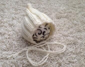 Newborn, 0-3,3-6 and 6-12 month knit pixie style bonnet