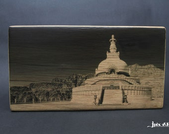 India - Transfer image on Wood with bark on