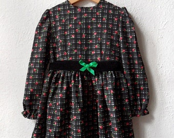The Green Ribbon - Vintage Black and Pink Floral Dress with Bow Belt - Age 5 to 7
