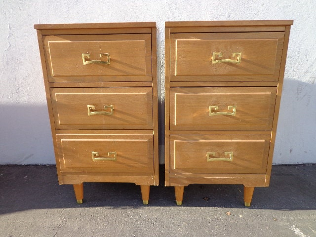 2 la period furniture 3 drawer nightstands mid century. Black Bedroom Furniture Sets. Home Design Ideas