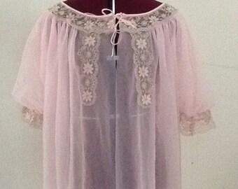 Vintage 1960s Peignoir Pink /Ecru Lace pinup